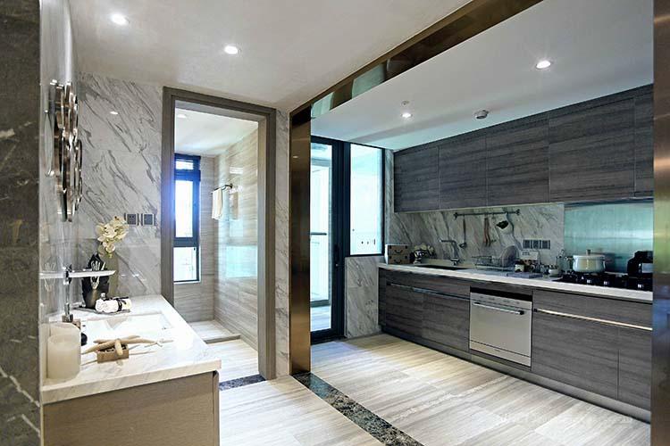 灰色厨房橱柜效果图#工业风厨房案例        深灰浅灰以及大理石墙面