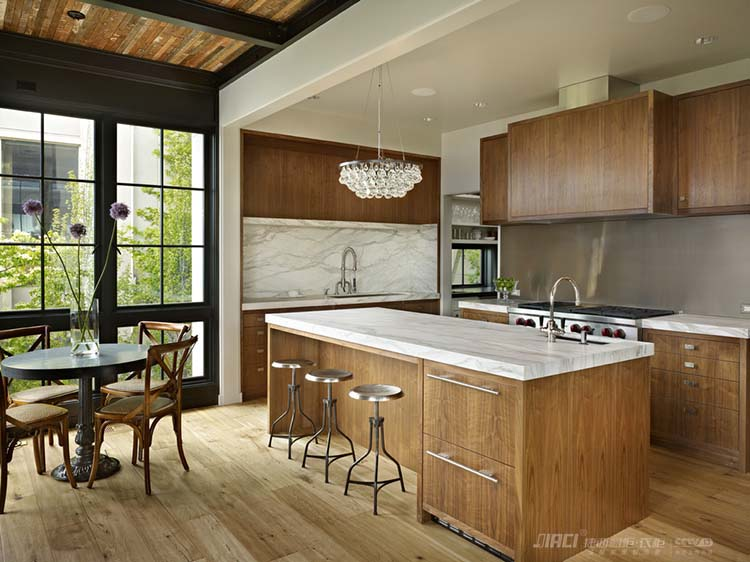 厨房装修案例#橱柜设计效果图        如果阳台是老阳台,那么承重墙