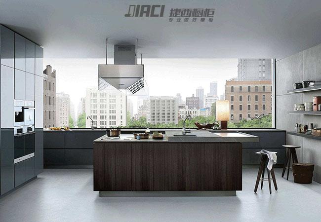 丢掉厨房吊柜设计,让小厨房更开阔!